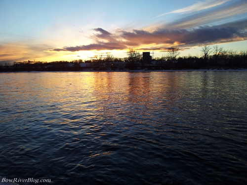 The-winter-sun-sets-on-the-Bow-River
